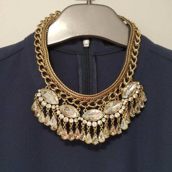 Banana Republic beautiful statement necklace